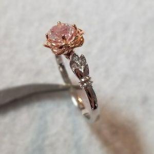 18k rose, 0.8ct White Topaz & Diamonds